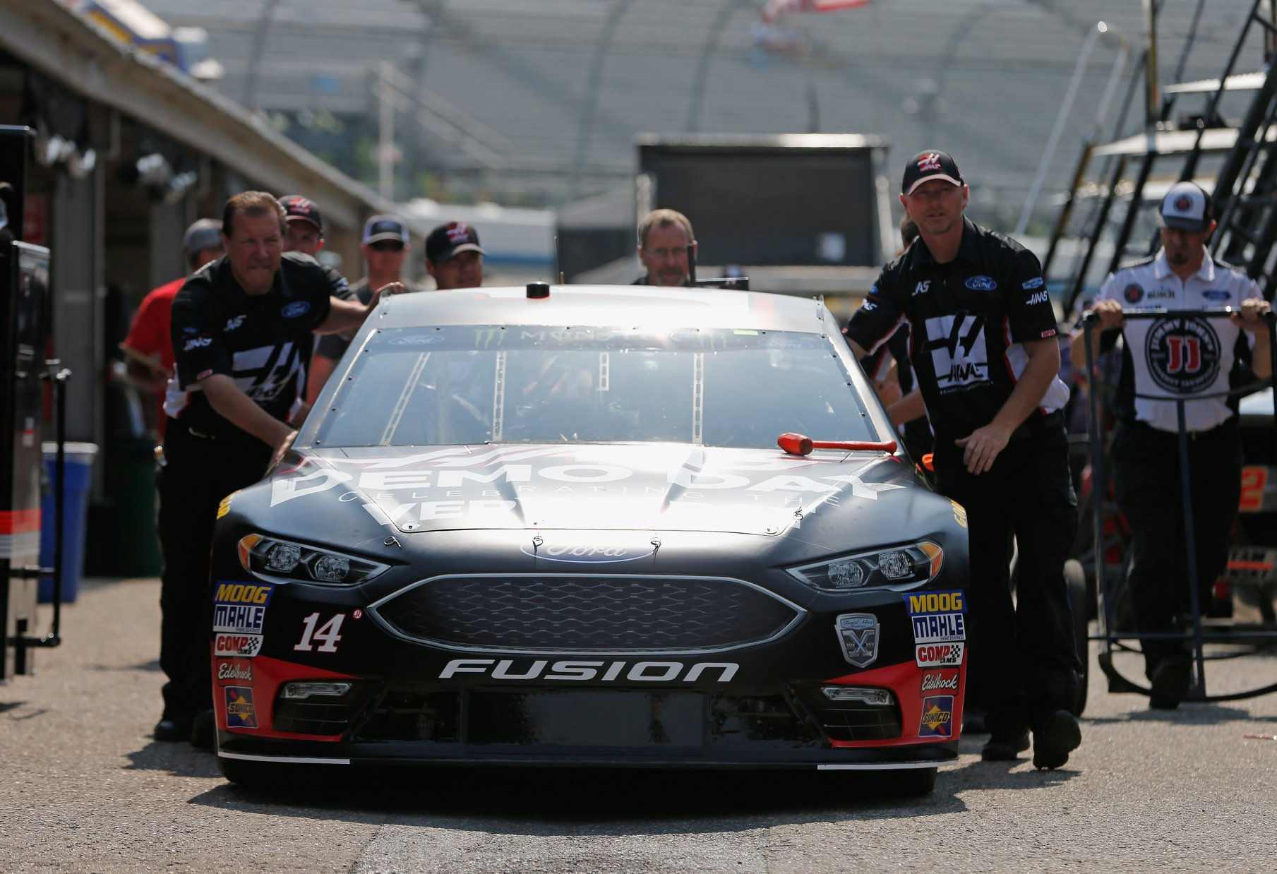 Clint Bowyer at Dover International Speedway - Stewart-Haas Racing