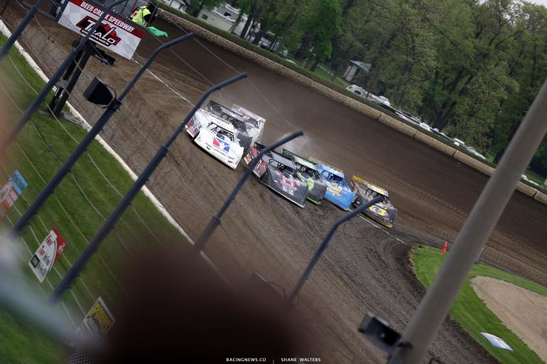 Darrell Lanigan and Scott Ward at Deer Creek Speedway 6921
