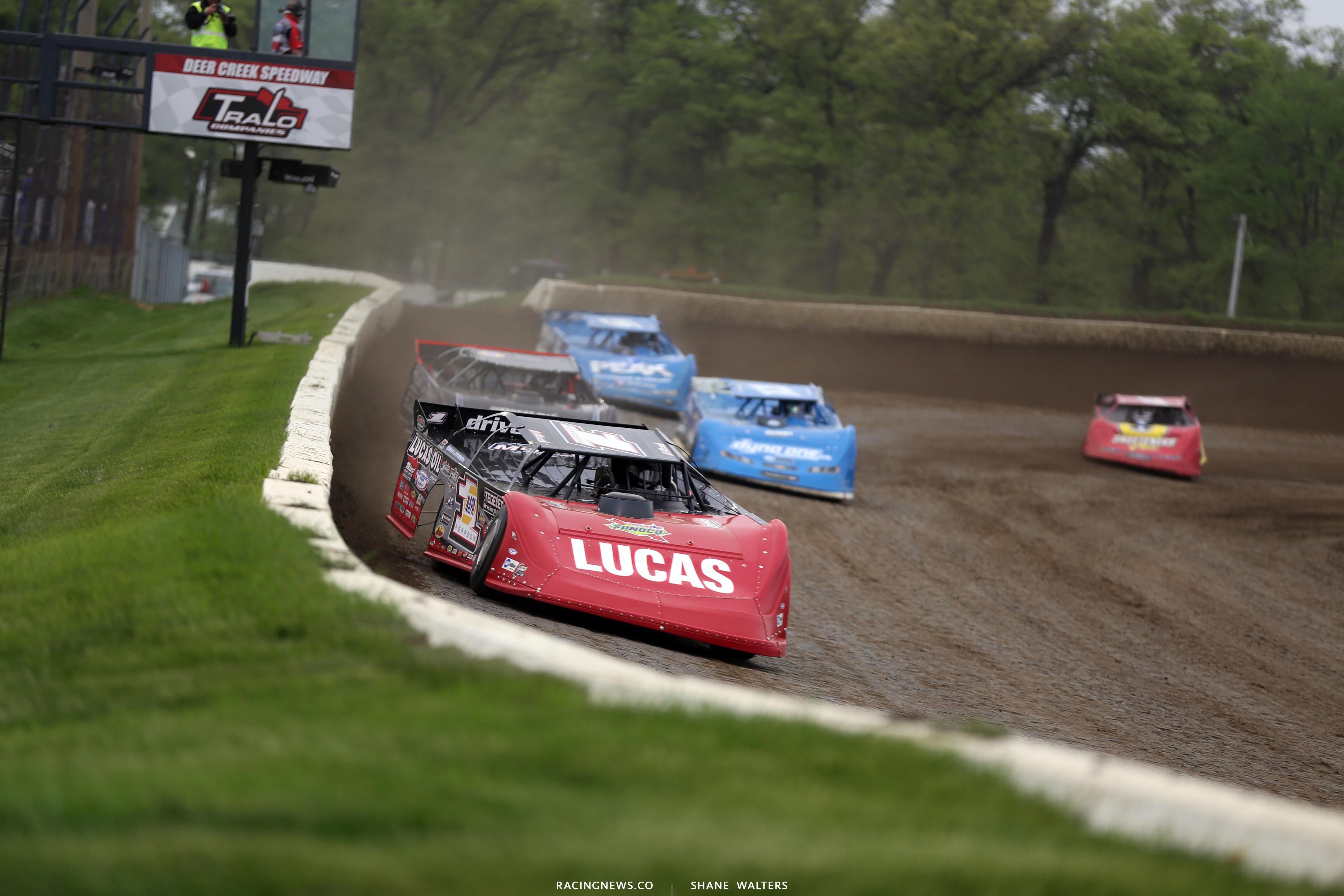 Earl Pearson Jr leads at Deer Creek Speedway 6991