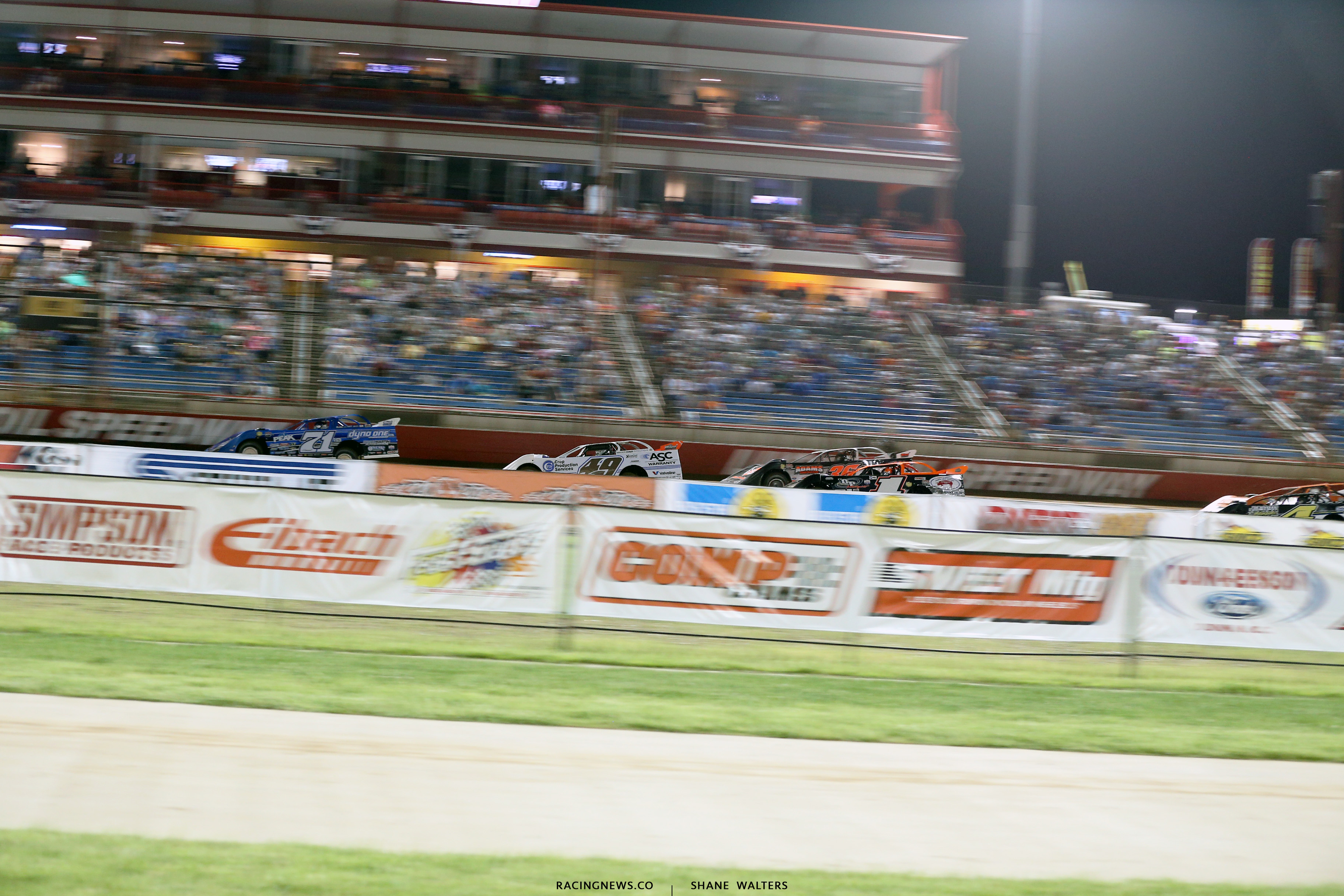 Hudson O'Neal and Jonathan Davenport at Lucas Oil Speedway 8360