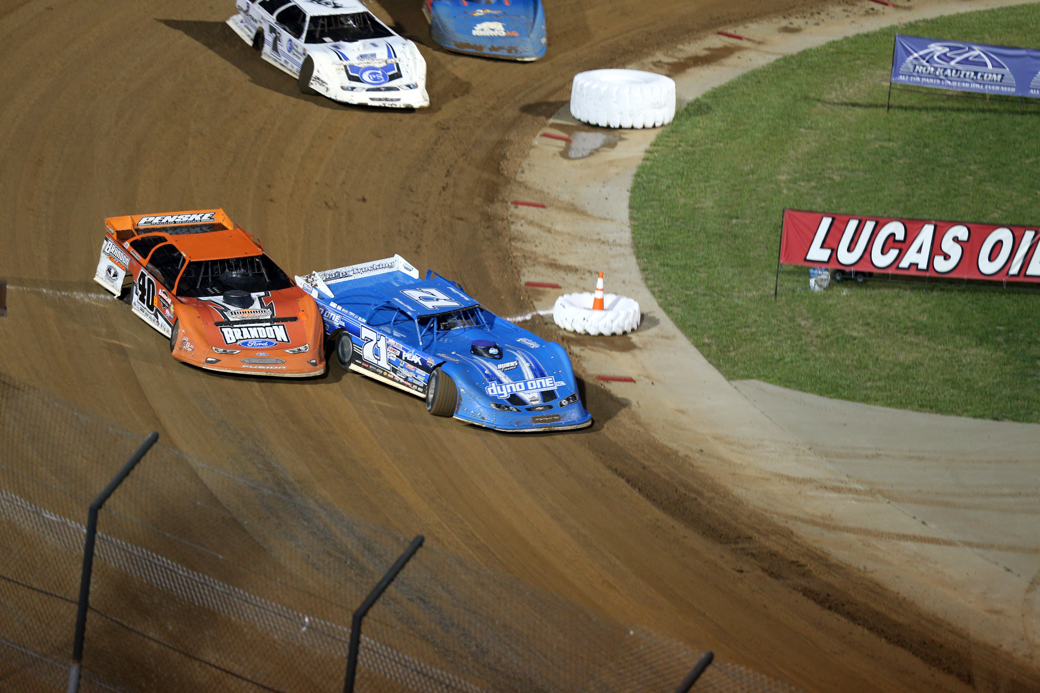 Hudson O'Neal and Kyle Bronson race for the lead at Lucas Oil Speedway 7751