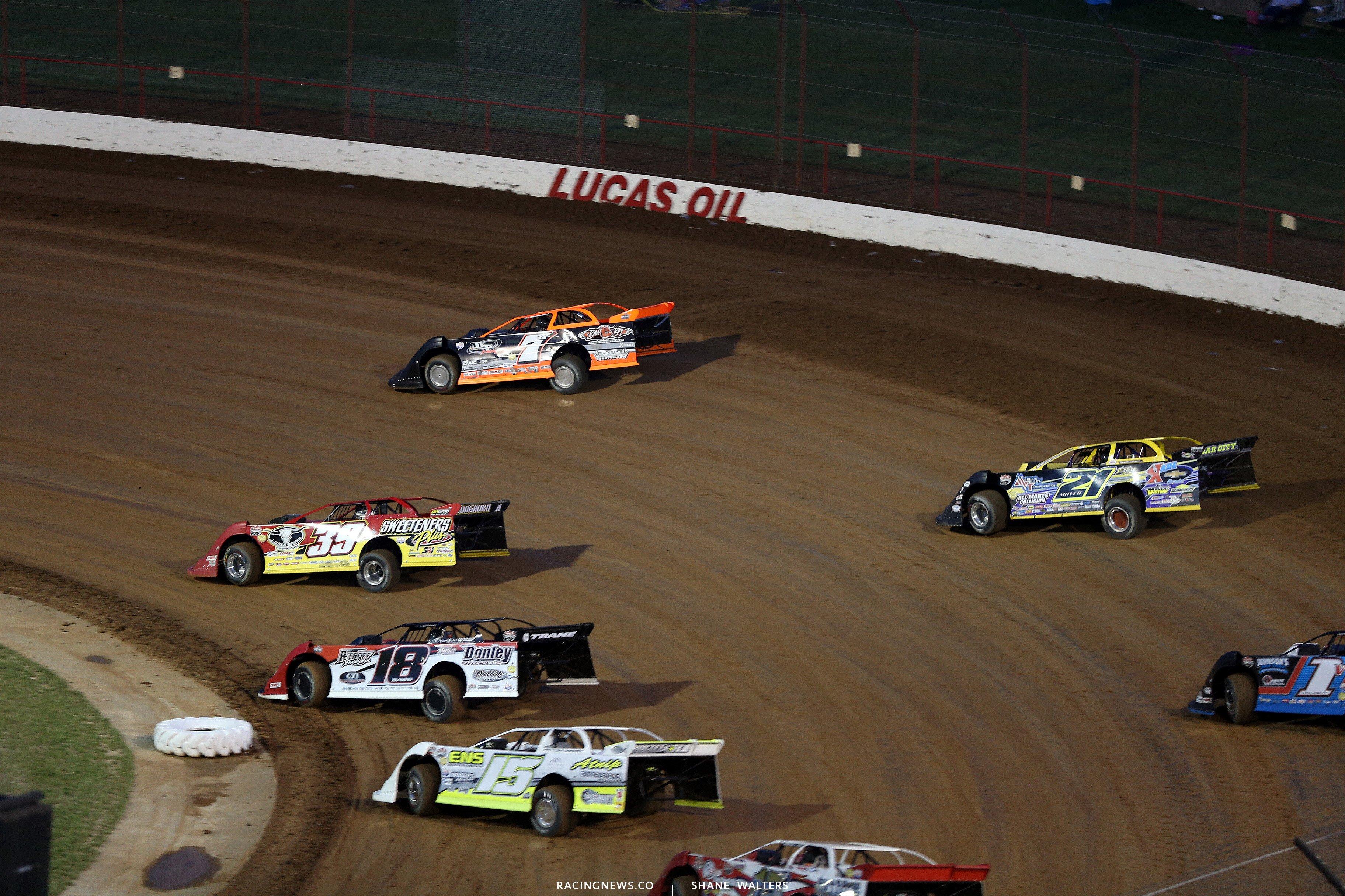 Jared Landers and Tim McCreadie at Lucas Oil Speedway 7676