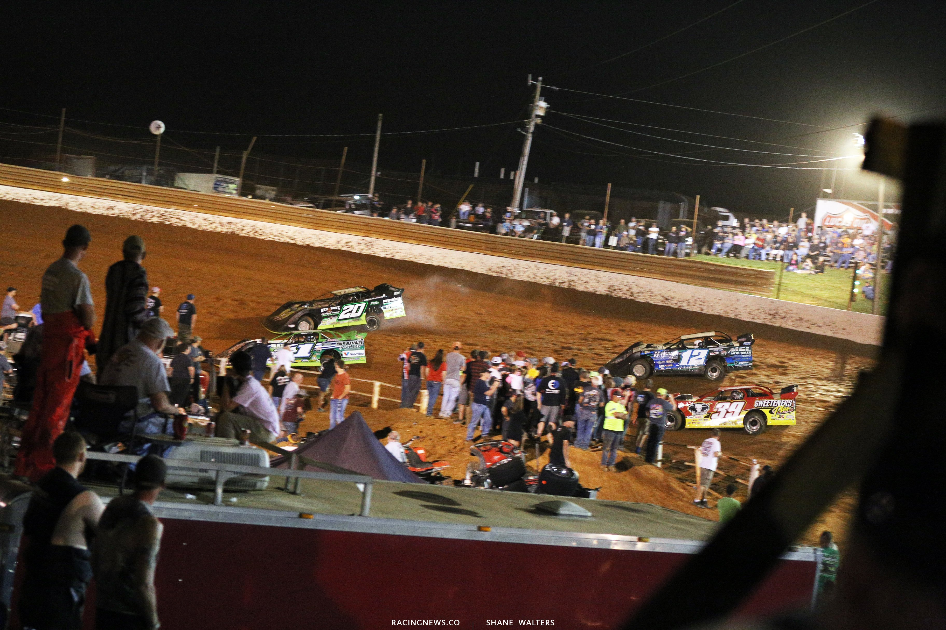 Jimmy Owens and Josh Richards at Tazewell Speedway 5891