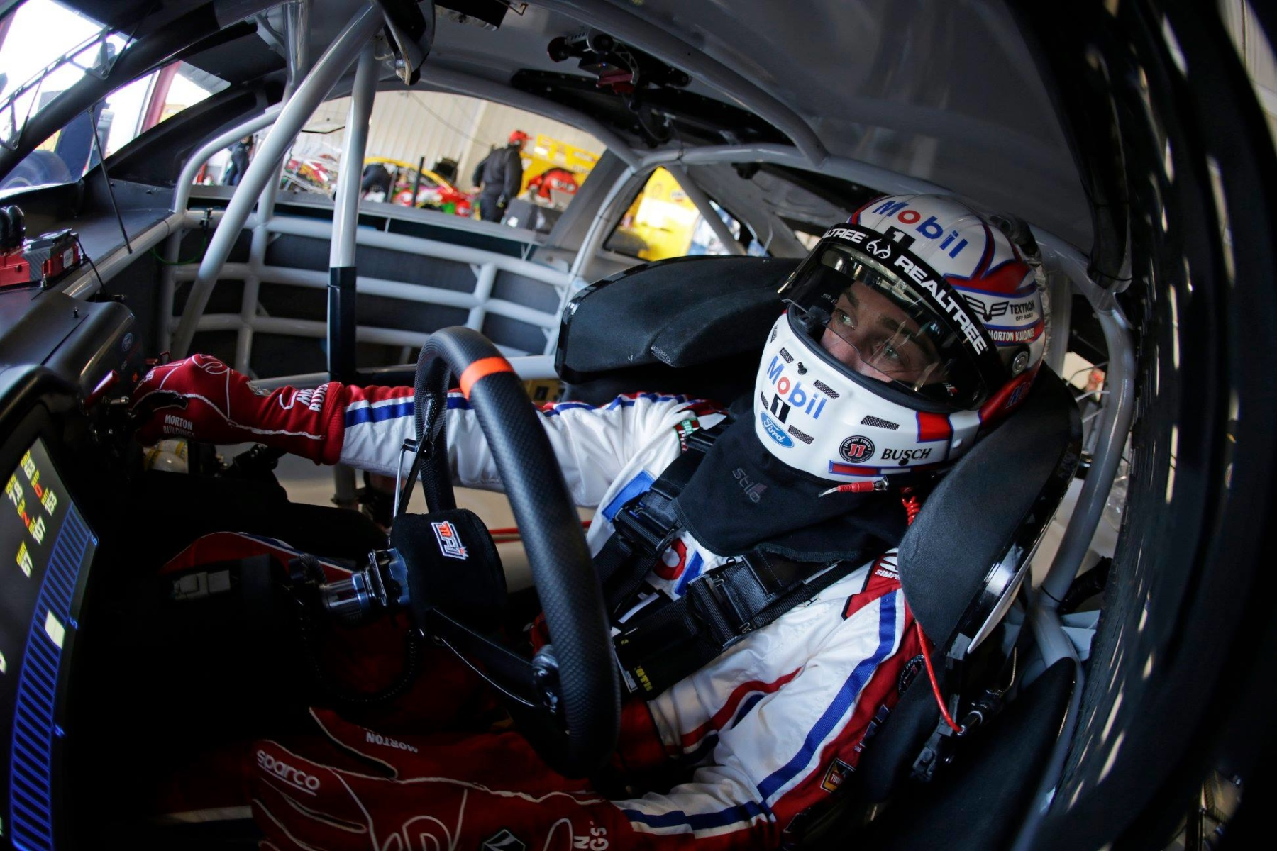 Kevin harvick 39 s car chief ejected from charlotte motor for Charlotte motor speedway drag racing