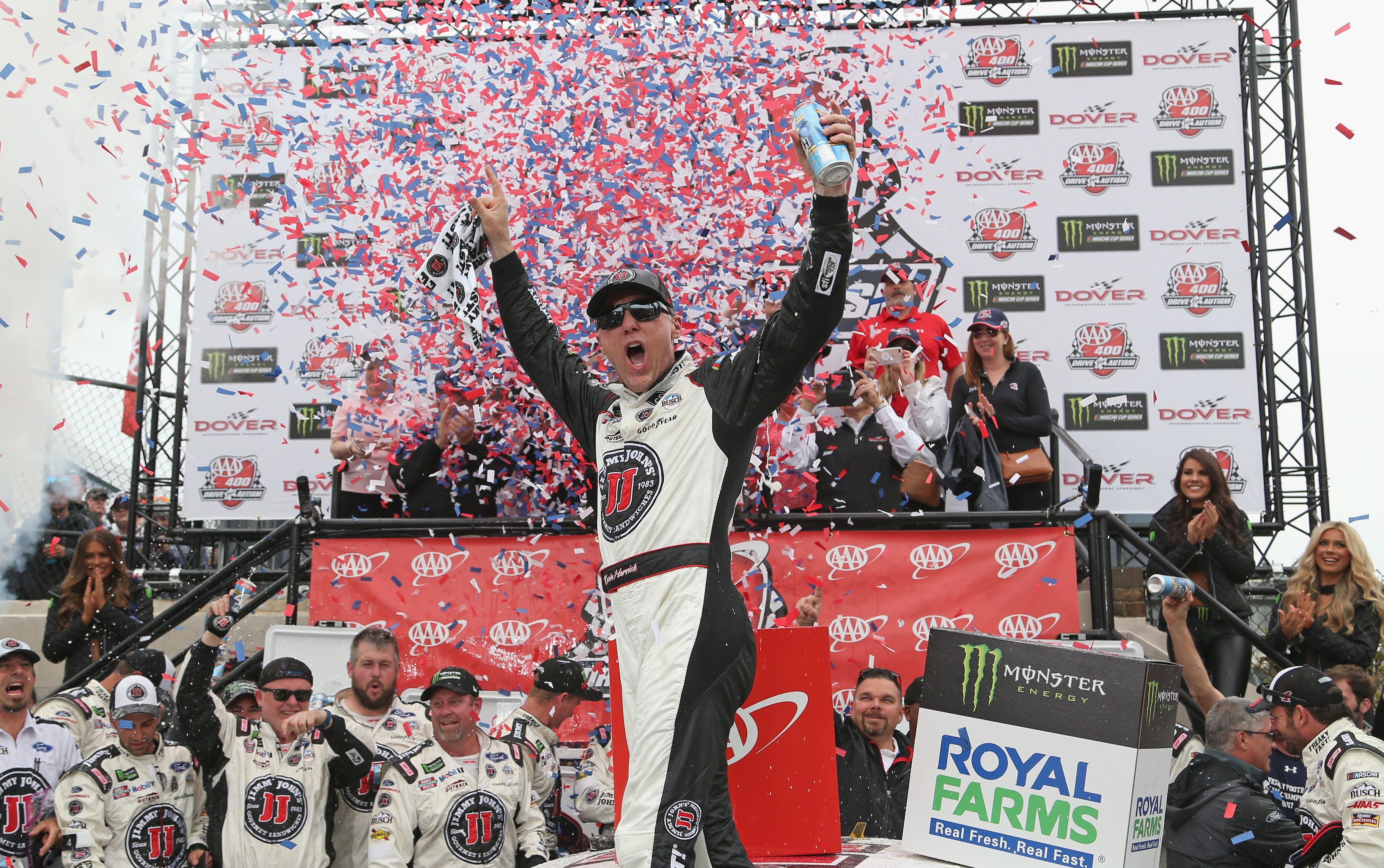 Kevin Harvick in victory lane at Dover International Speedway