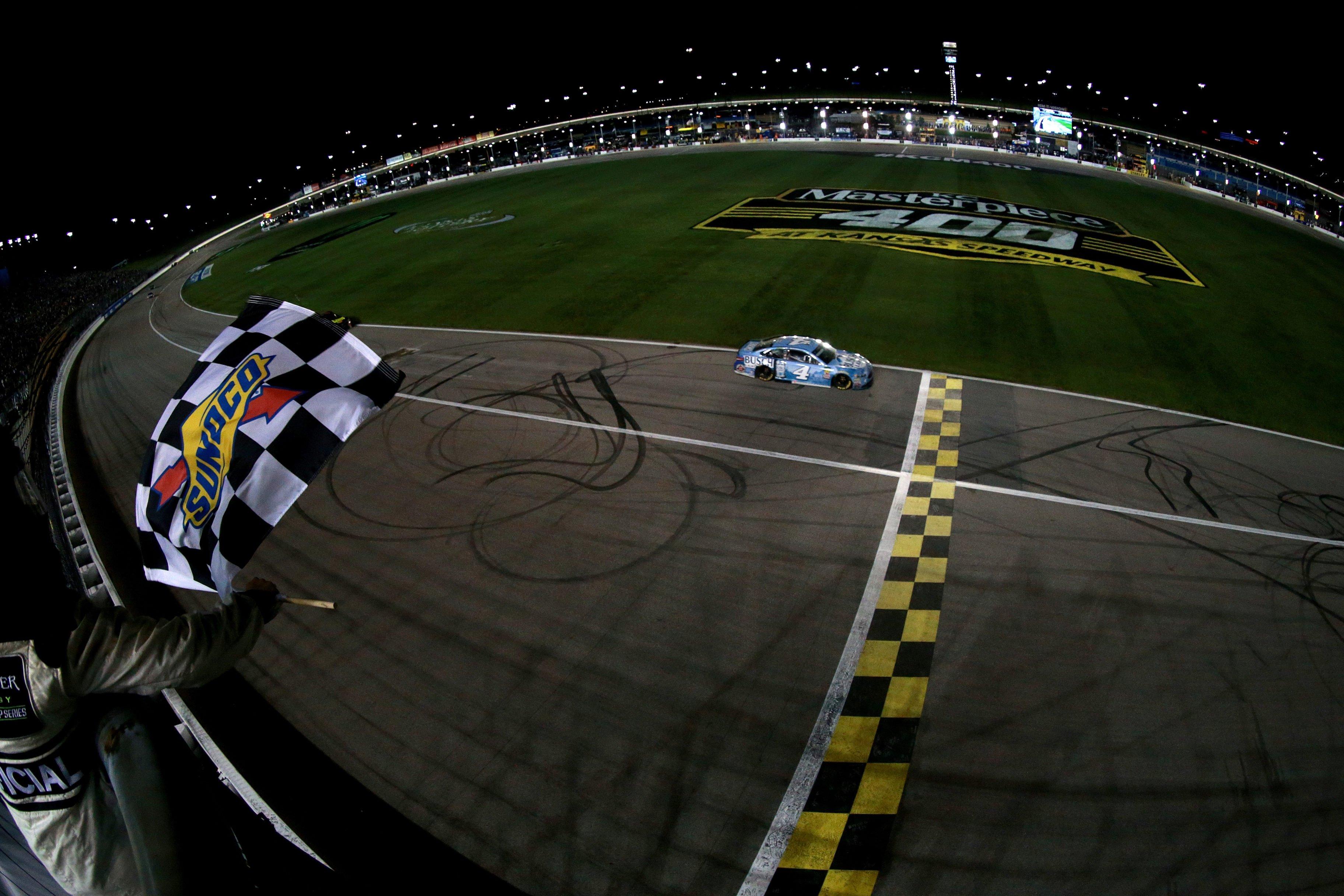 Kevin Harvick wins at Kansas Speedway