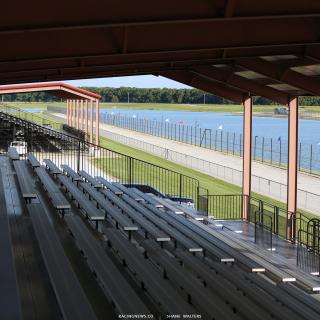 Lucas Oil Speedway drag boat lake 8594
