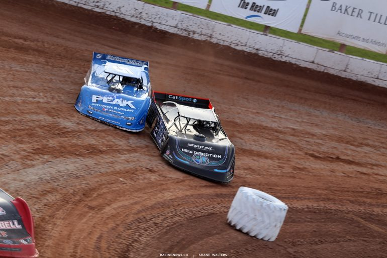 Scott Bloomquist and Don O'Neal at 141 Speedway