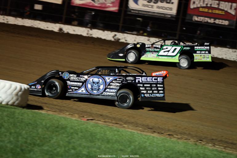 Scott Bloomquist and Jimmy Owens at Lucas Oil Speedway 8993