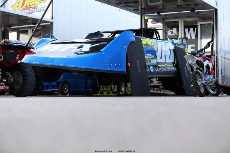Jesse Stovall - Dirt Late Model Pit Area 7306
