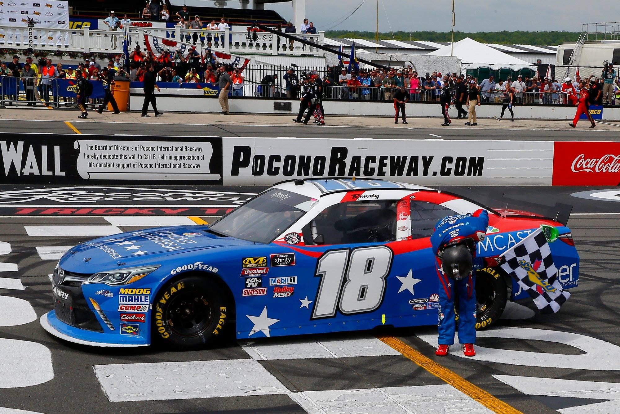 Kyle Busch bows for the Pocono Raceway crowd