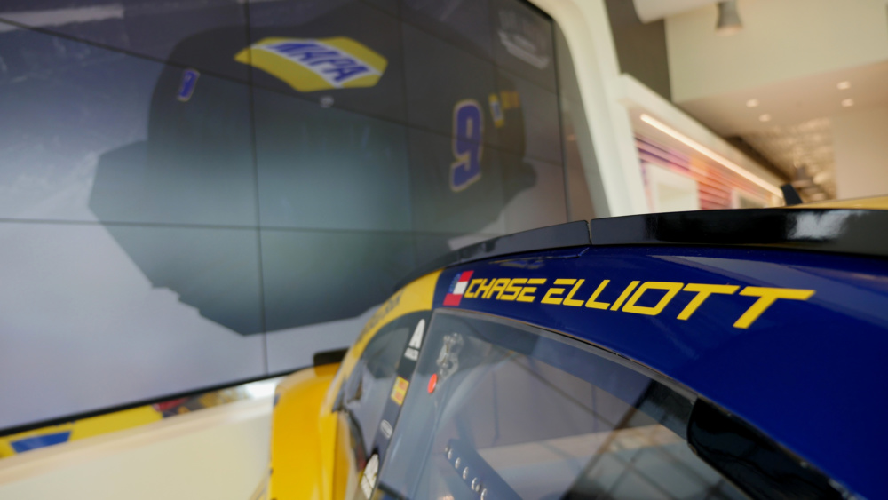 Chase Elliott Race car - 2018 throwback