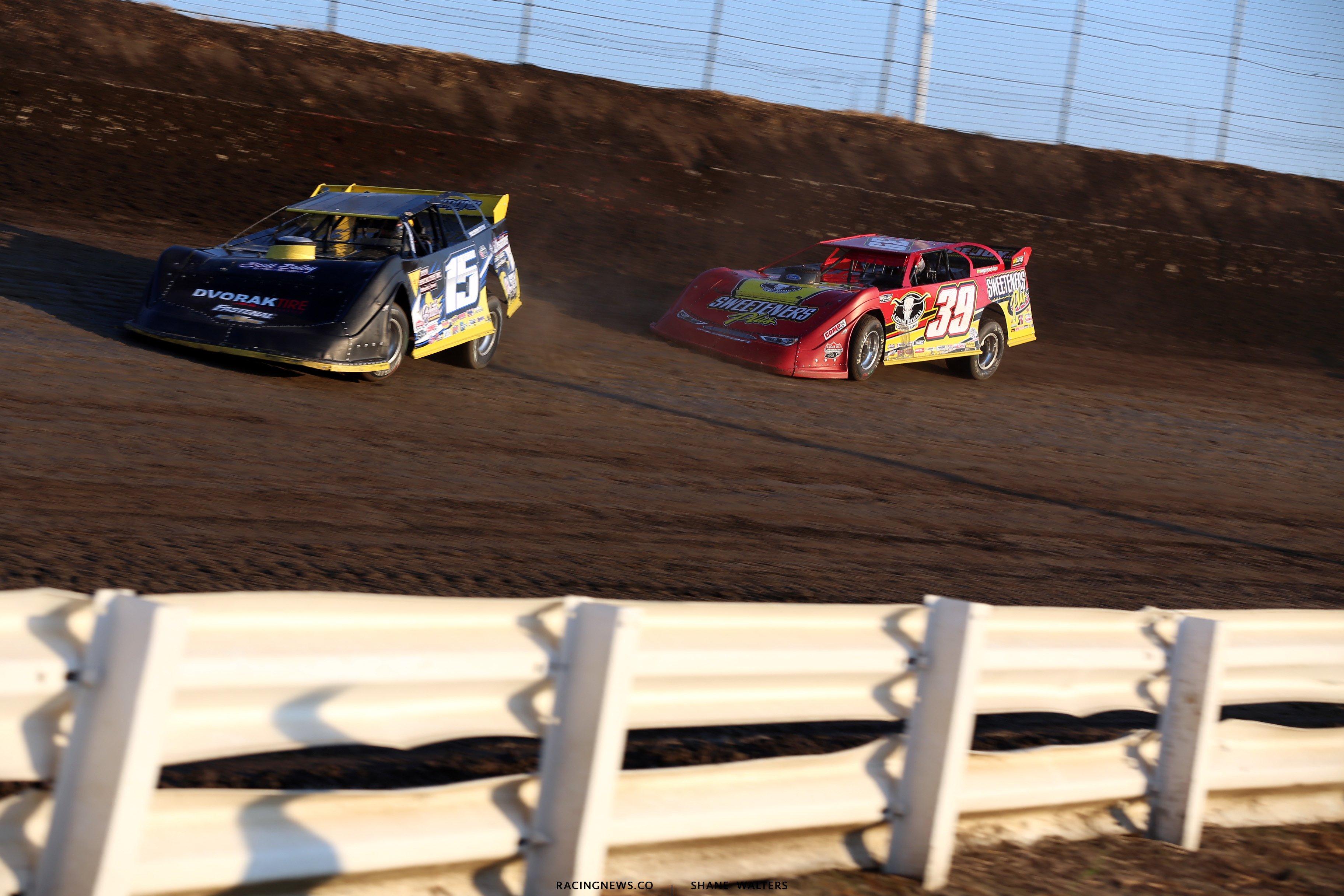 Jason O'Brien and Tim McCreadie at I-80 Speedway 4277