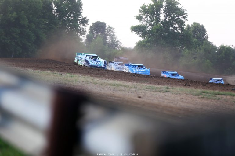 Josh Richards and Don O'Neal at Muskingum County Speedway 1636