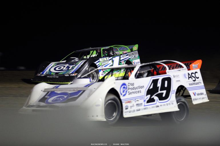 Josh Richards and Jonathan Davenport at Brown County Speedway 3199