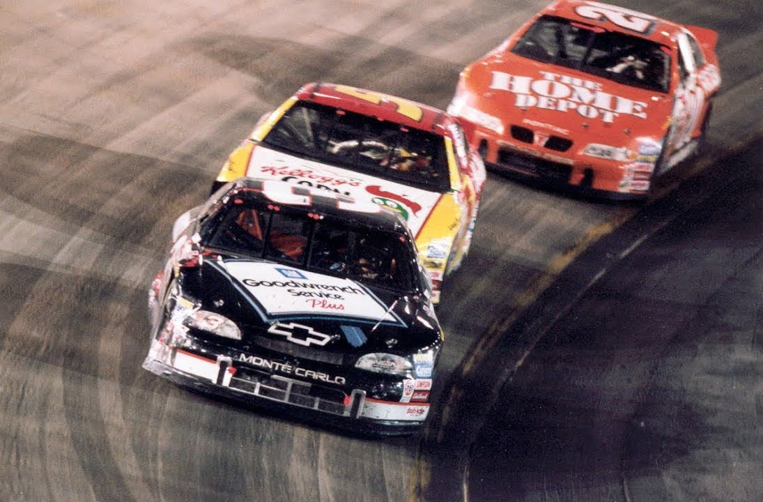 Dale Earnhardt, Terry Labonte at Bristol Motor Speedway - 1999