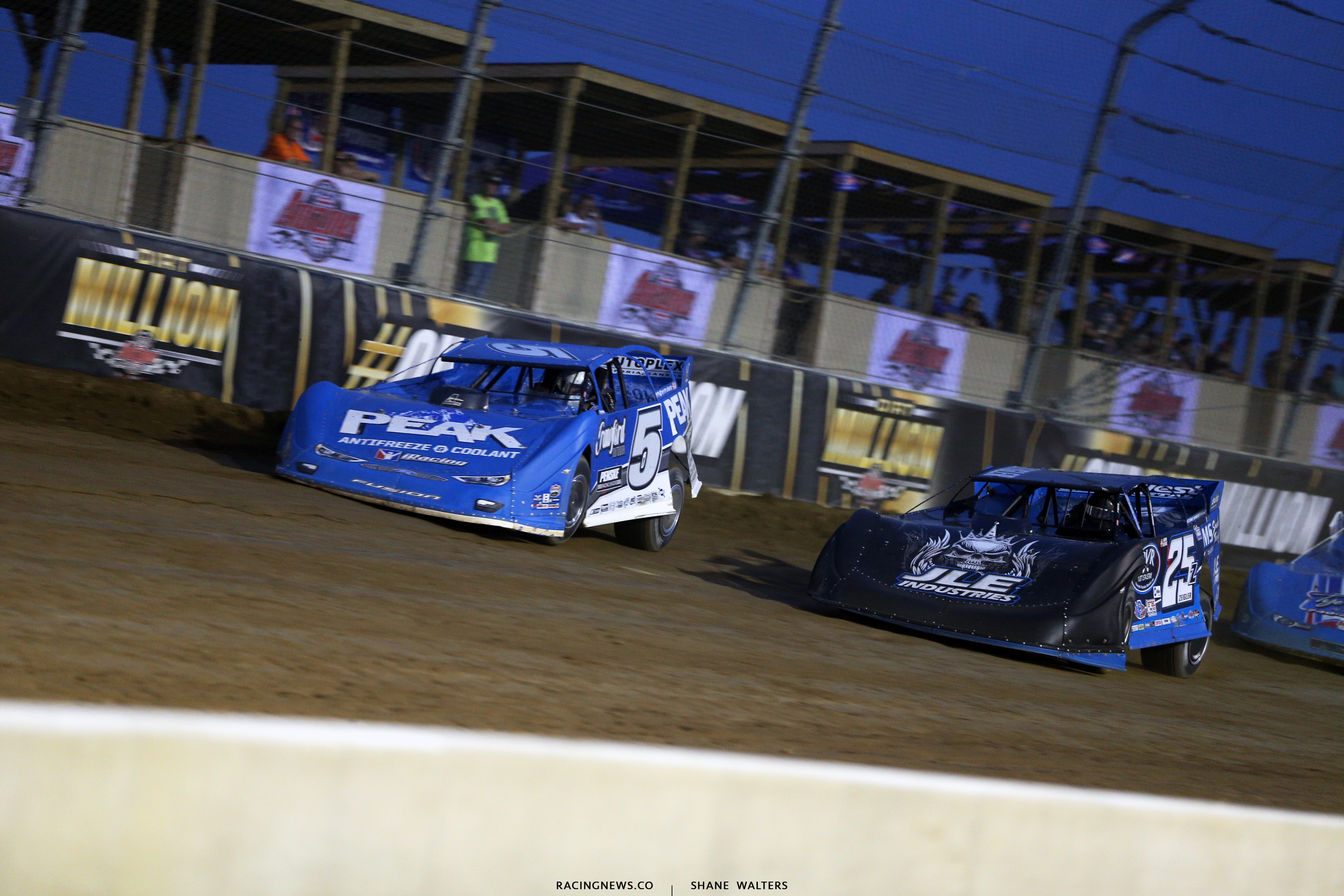 Don O'Neal and Mason Zeigler in the Dirt Million at Mansfield Motor Speedway 6470