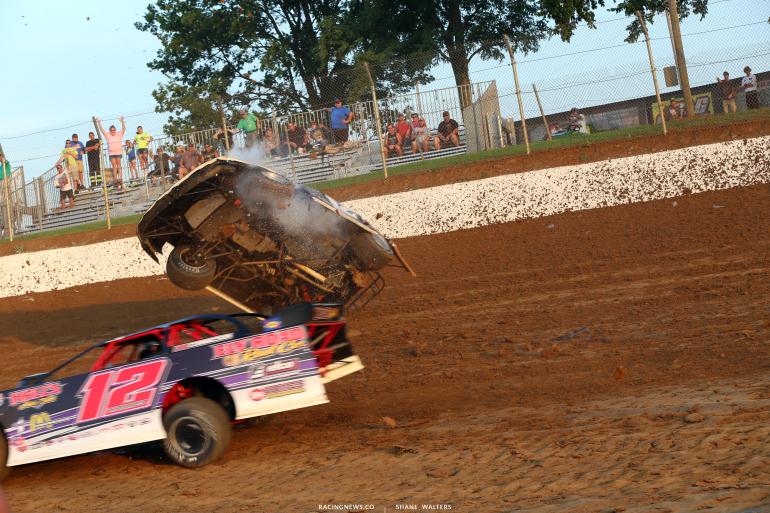 Jason Jameson dirt late model crash 4724