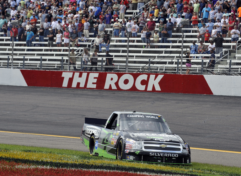 Kasey Kahne wins at Rockingham Speedway