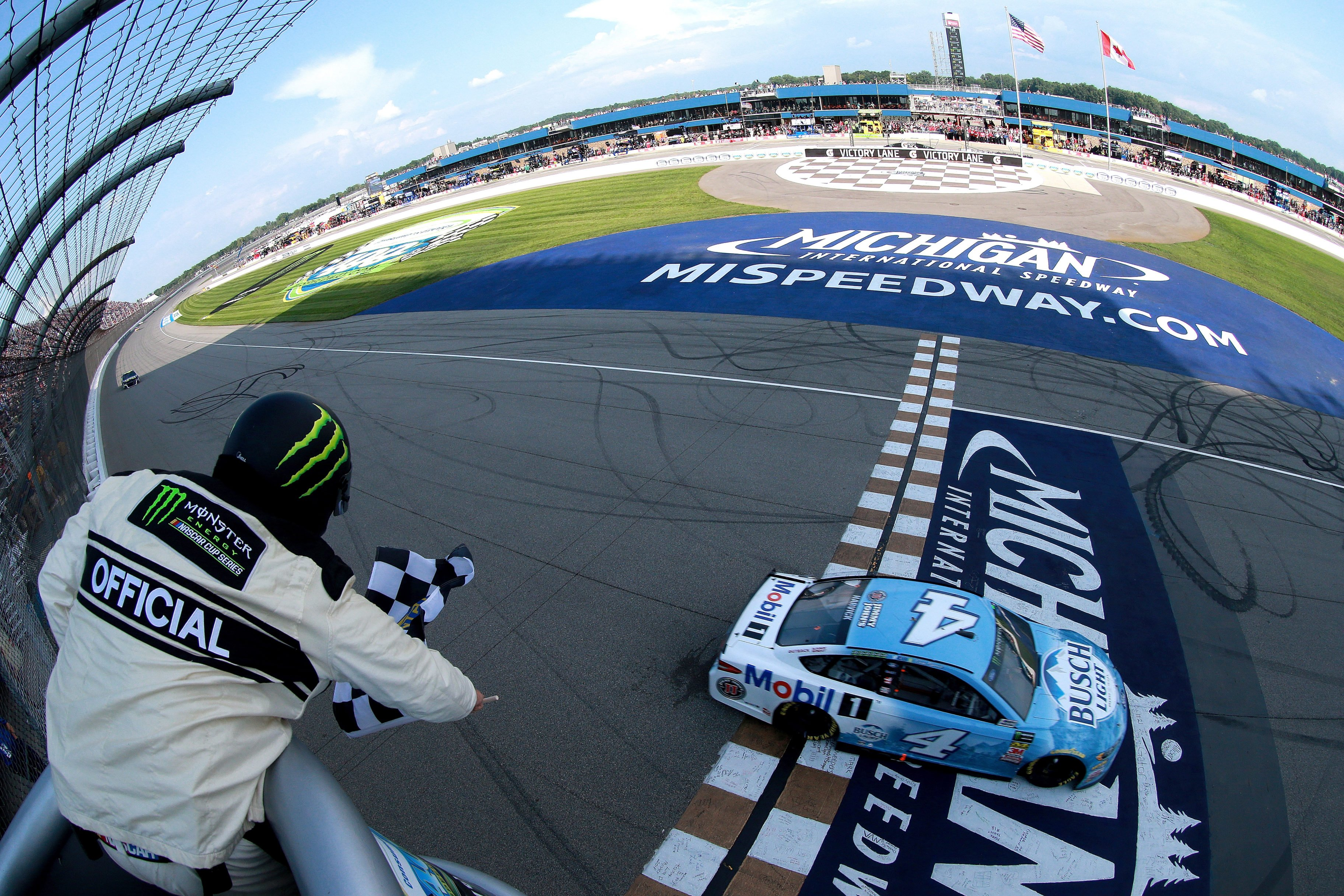 Kevin Harvick wins at Michigan International Speedway