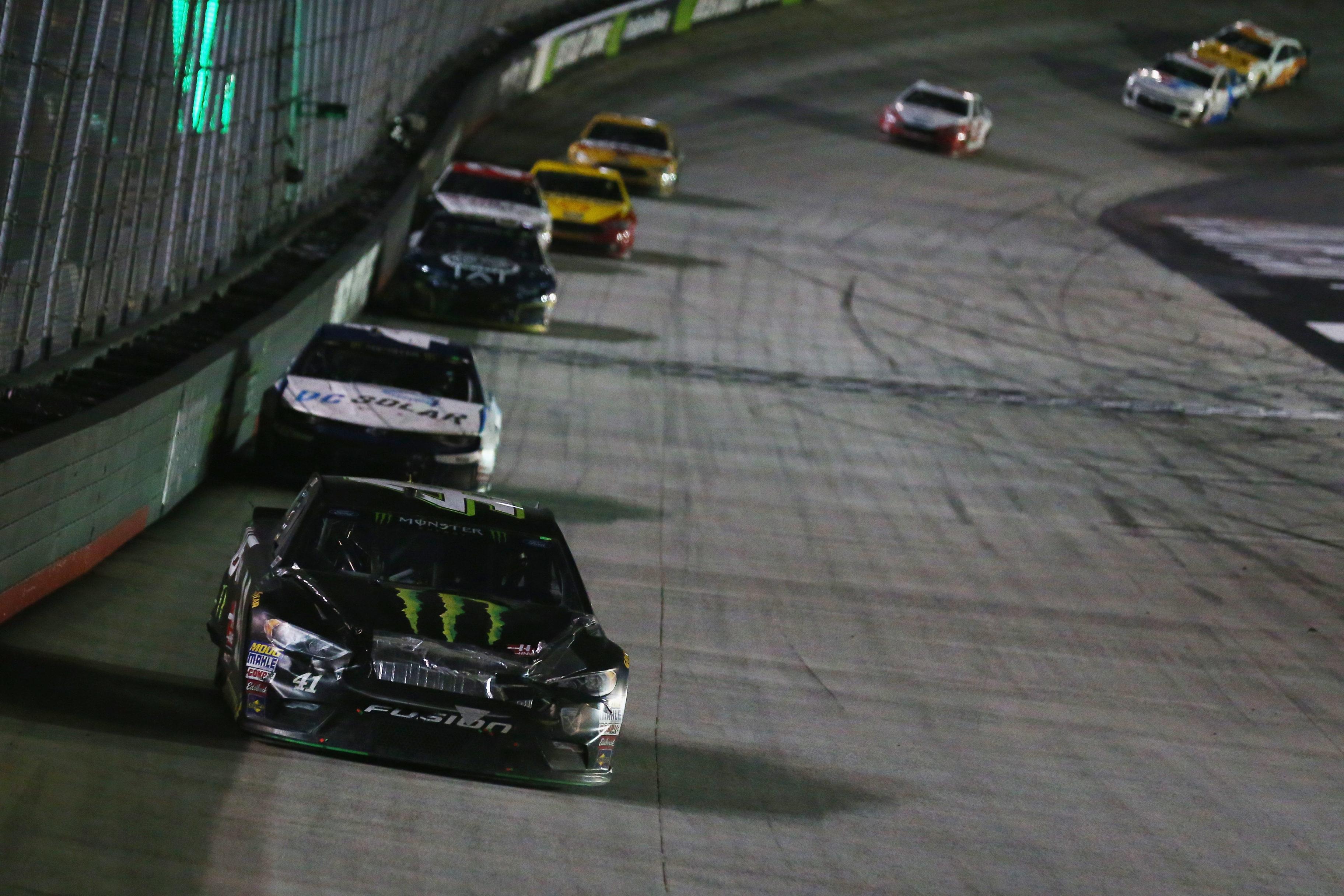 Kurt Busch leads Kyle Larson at Bristol Motor Speedway