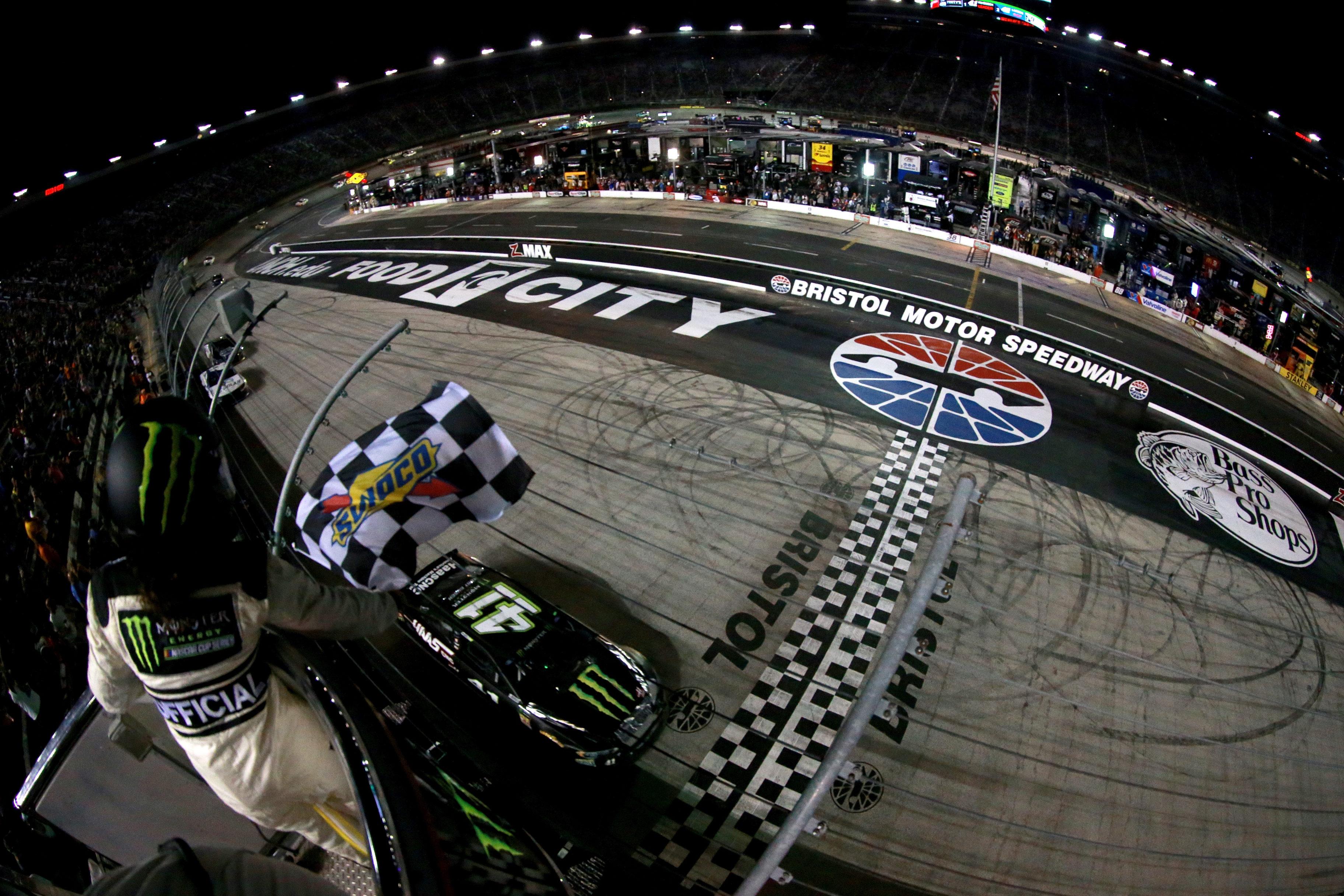 Kurt Busch wins at Bristol Motor Speedway