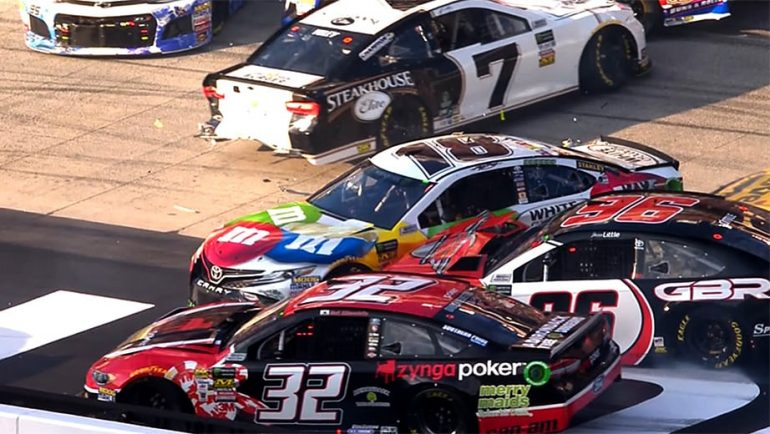 Kyle Busch crashes early at Bristol Motor Speedway