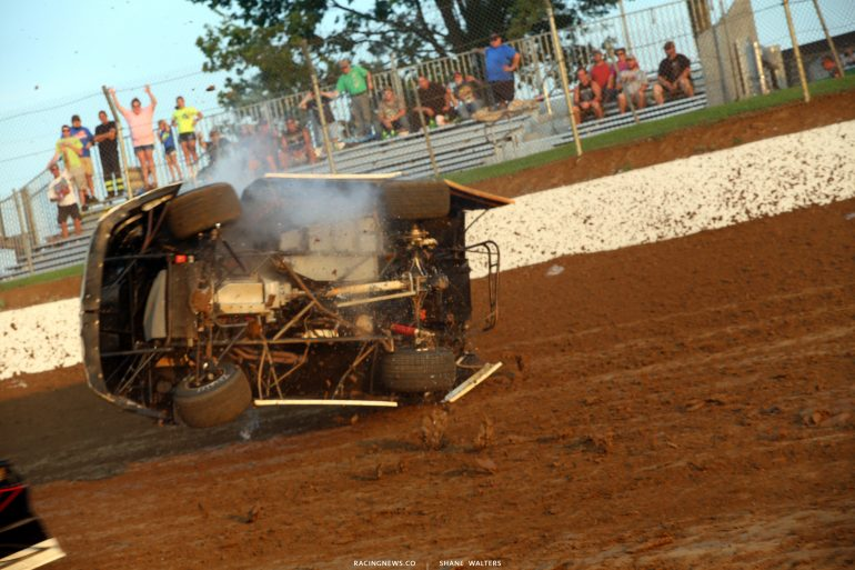 Underneath a dirt late model 4725