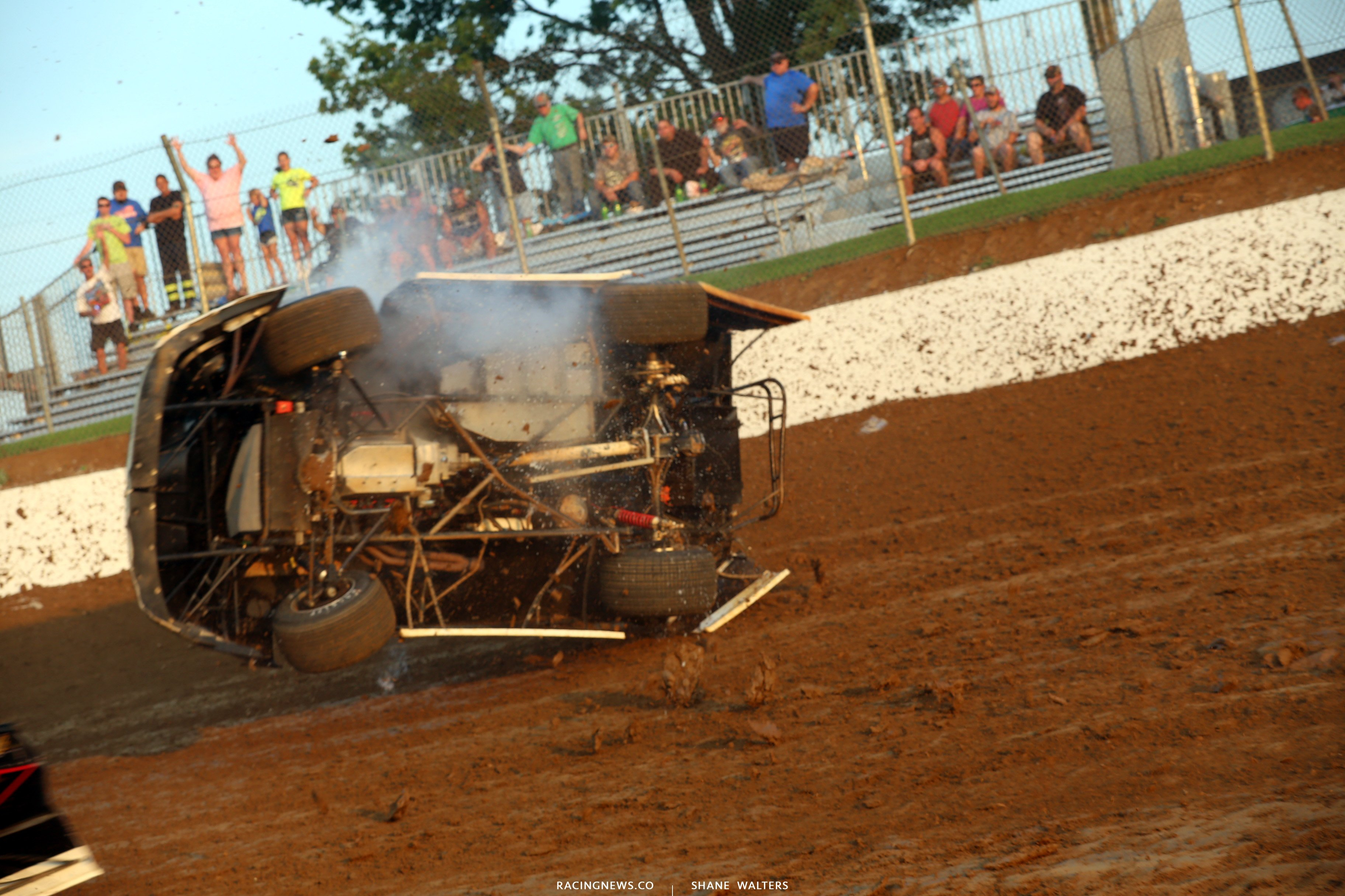 Underneath a dirt late model 4725