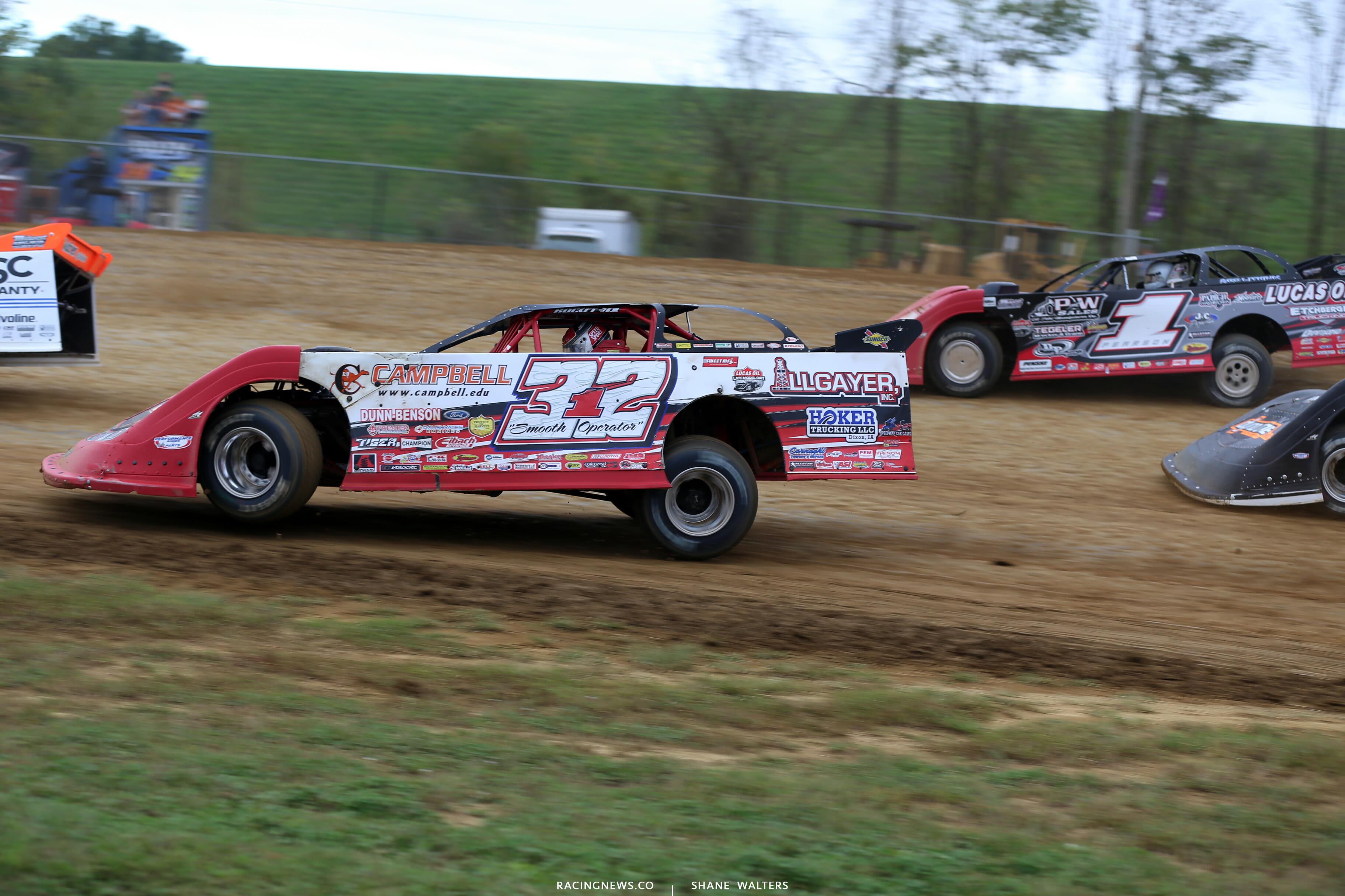 Josh Richards, Mason Zeigler and Tim McCreadie in the Jackson 100 at Brownstown Speedway 0173