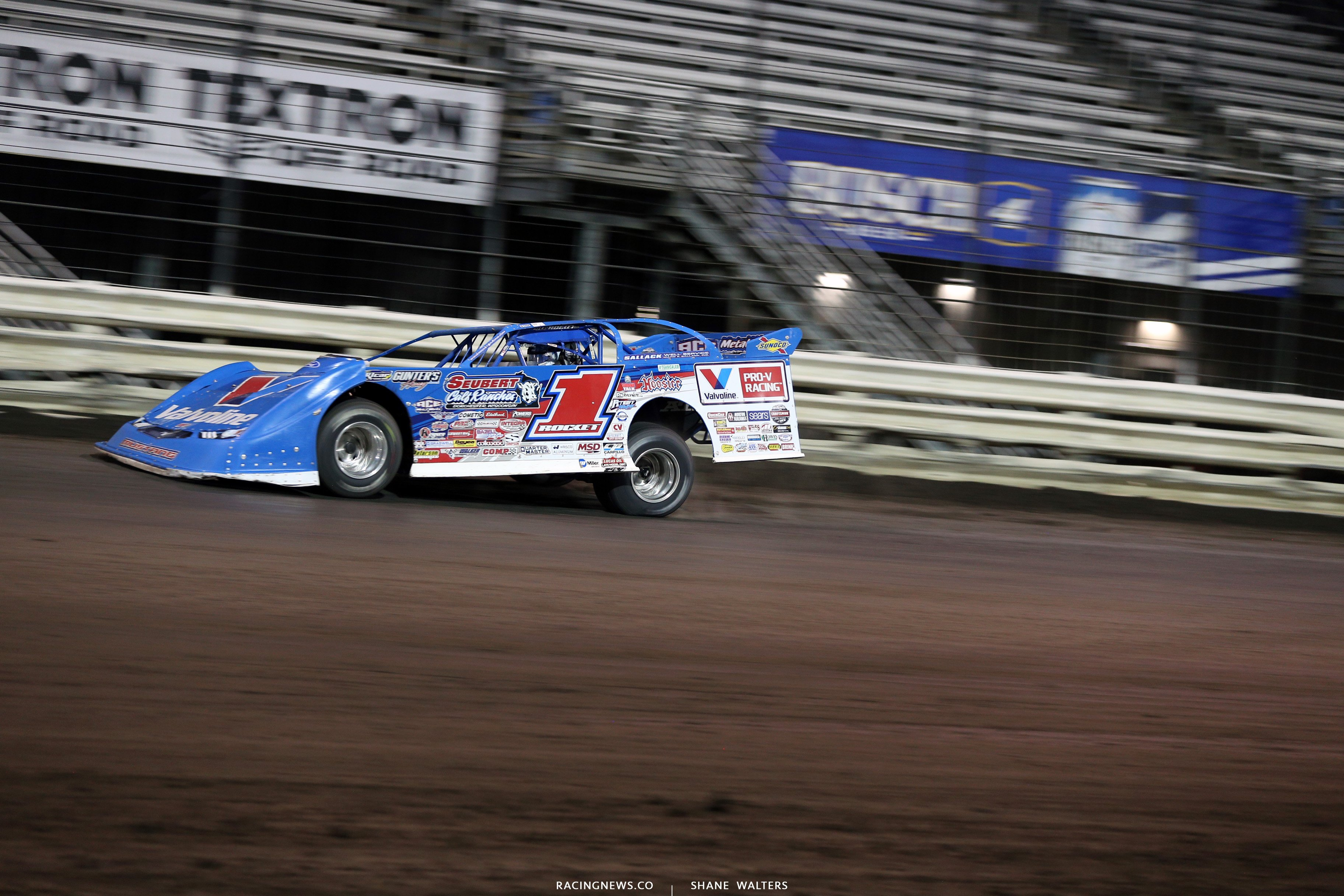 Brandon Sheppard leads at Knoxville Raceway 8916