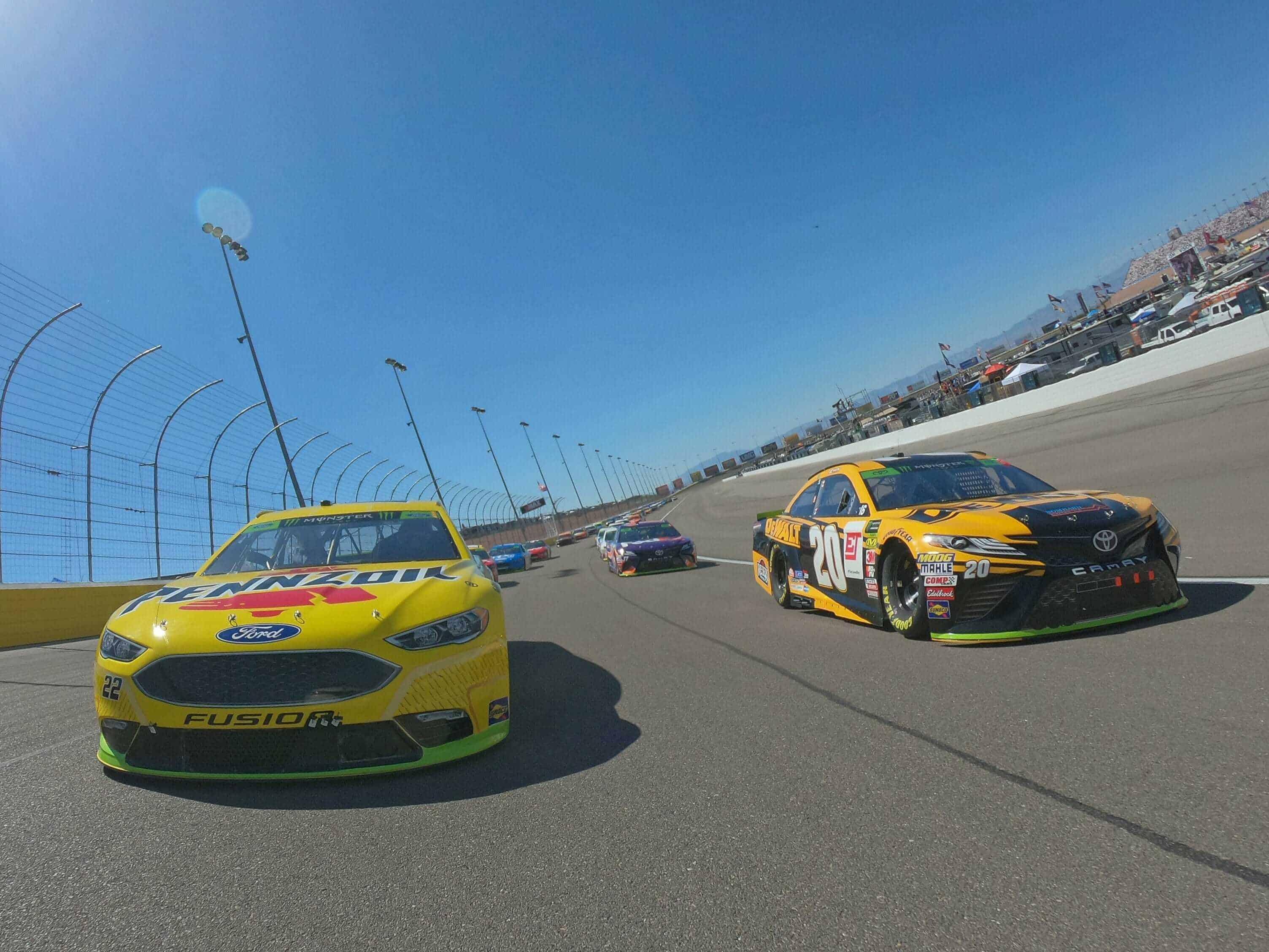 Joey Logano and Erik Jones at Las Vegas Motor Speedway - MENCS