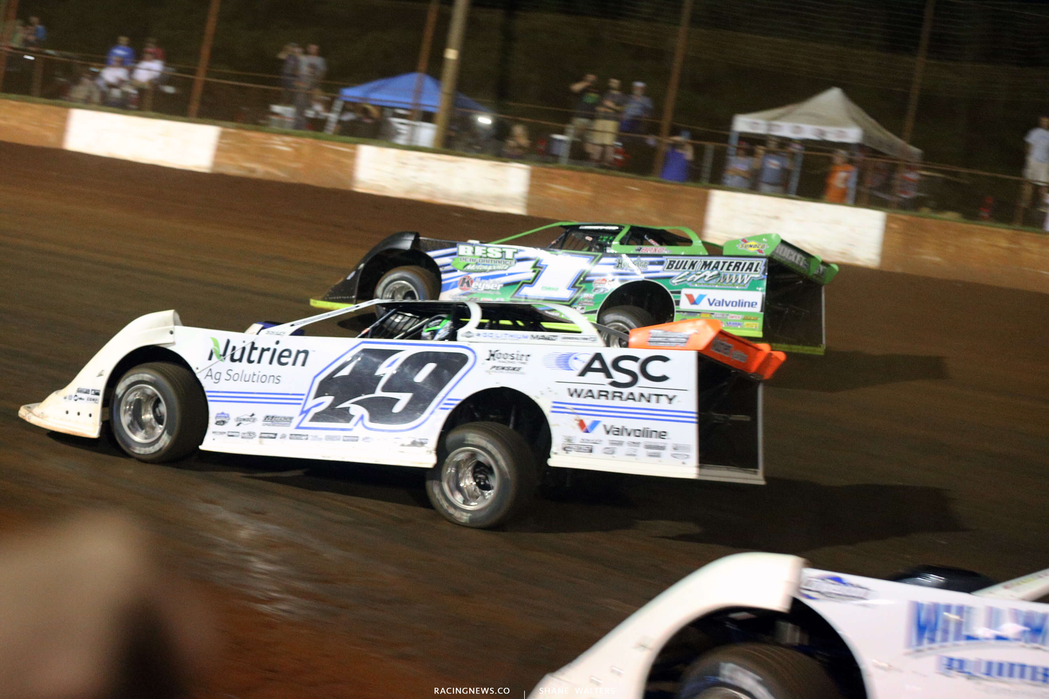 Jonathan Davenport and Josh Richards at Dixie Speedway 0743
