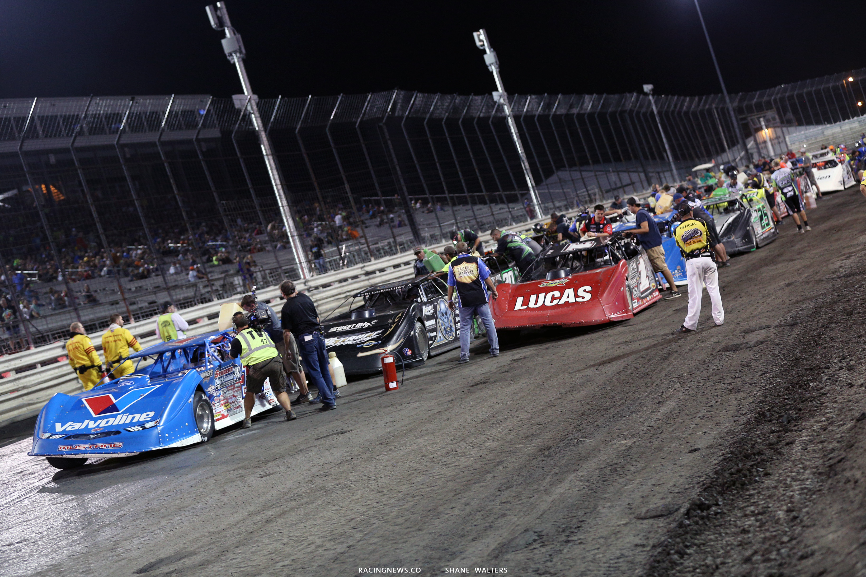 Lucas Oil Late Model Dirt Series fuel stop 9281