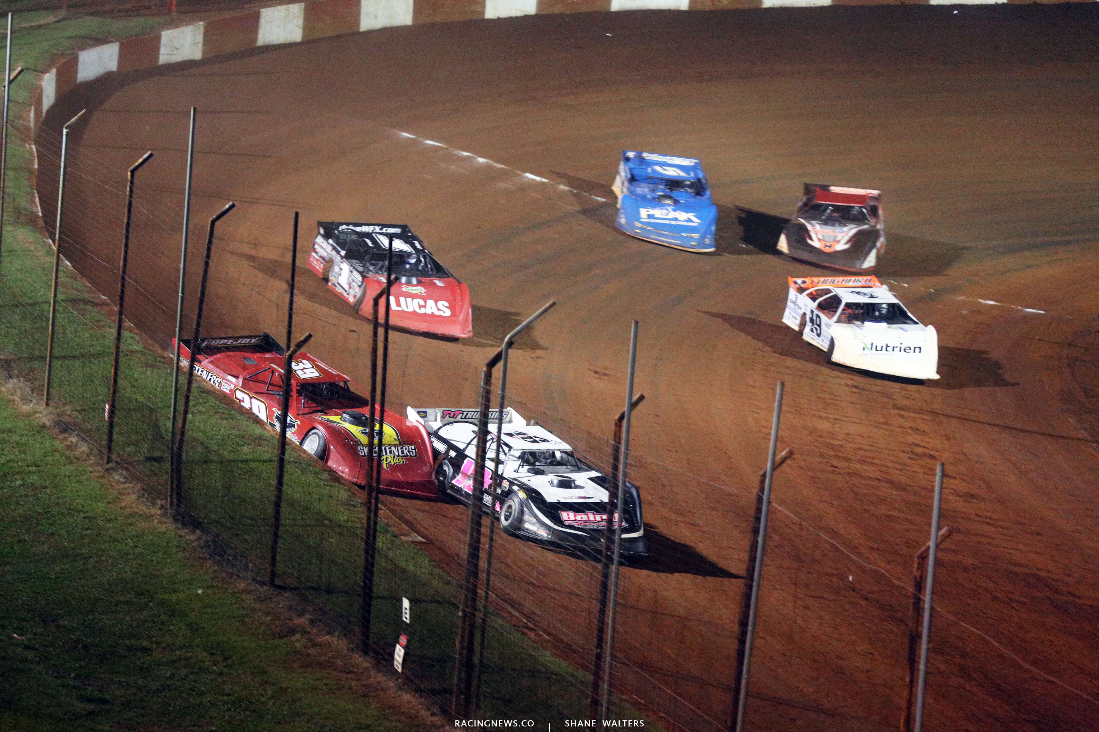Michael Page and Tim McCreadie in the Dixie Shootout at Dixie Speedway - LOLMDS 0713