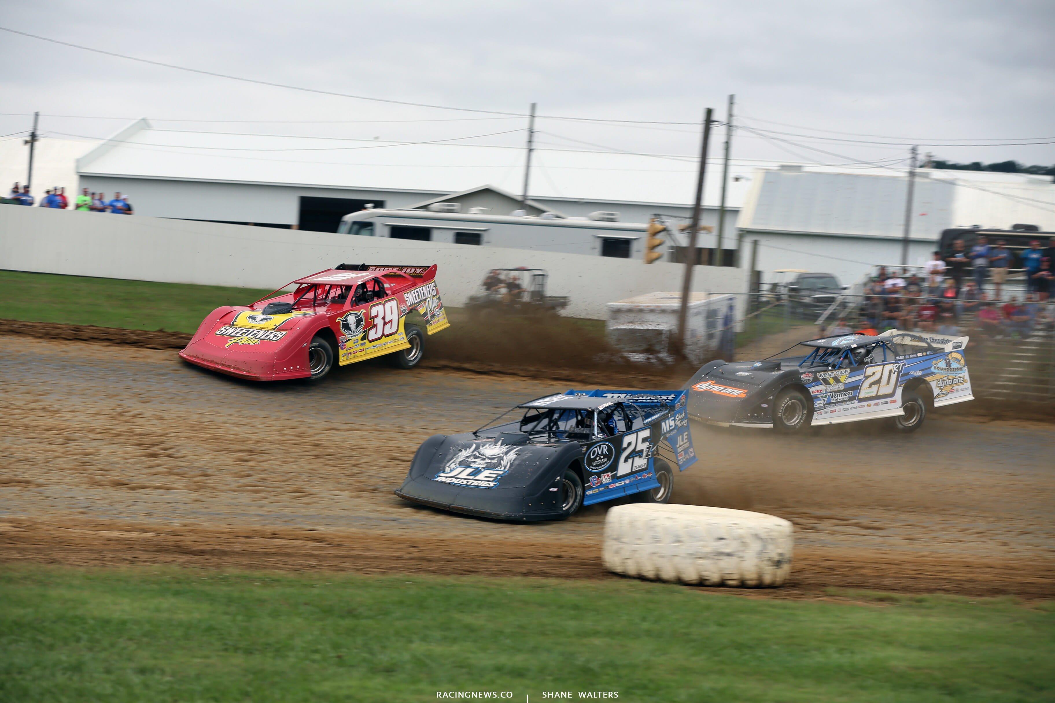 Tim McCreadie, Mason Zeigler and Ricky Thornton Jr at Brownstown Speedway in the Jackson 100 0220