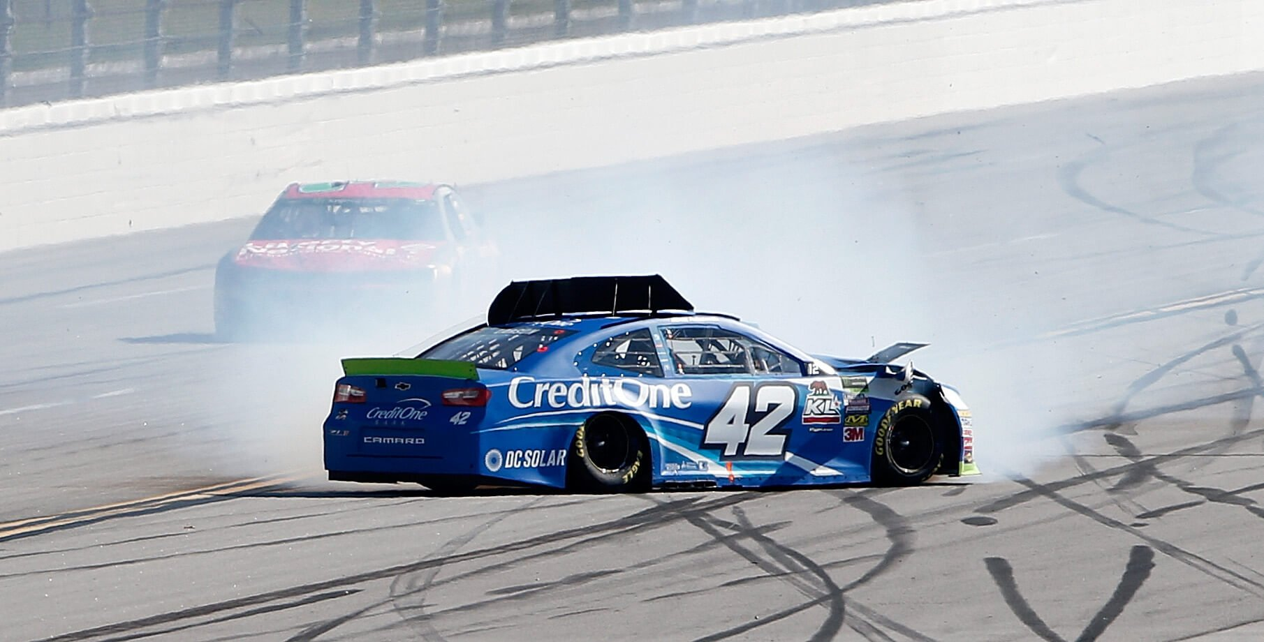 Kyle Larson spins at Talladega Superspeedway
