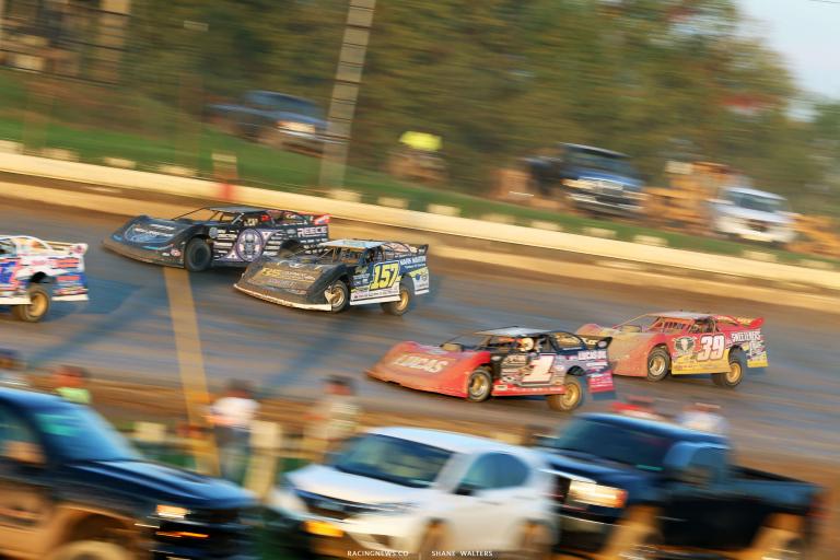 Mike Marlar works around Scott Bloomquist at Pittsburgh's Pennsylvania Motor Speedway 1801