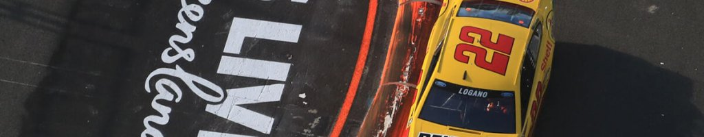 NASCAR tests a race car at Surfers Paradise Street Circuit (Video)