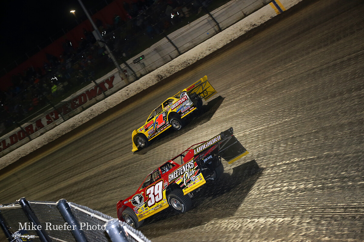 Tim McCreadie and Devin Gilpin at Eldora Speedway in the World 100