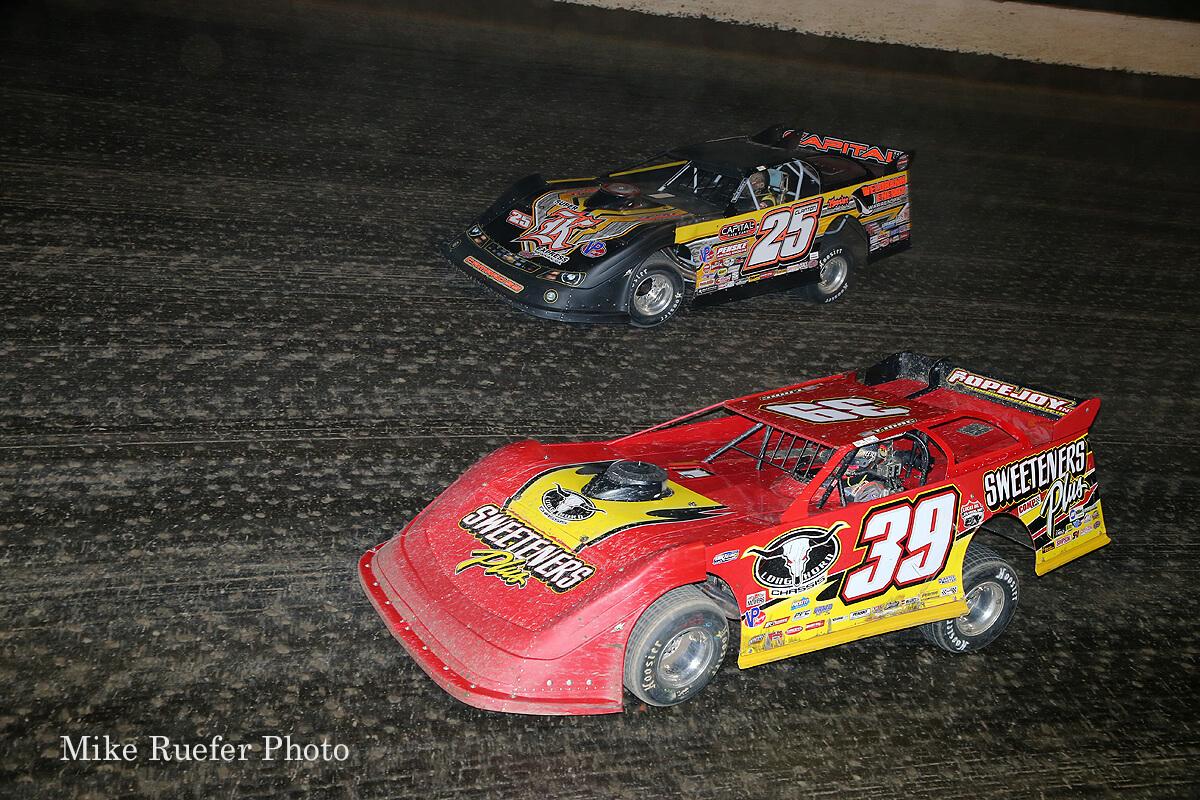 Tim McCreadie and Shane Clanton at Eldora Speedway in the World 100