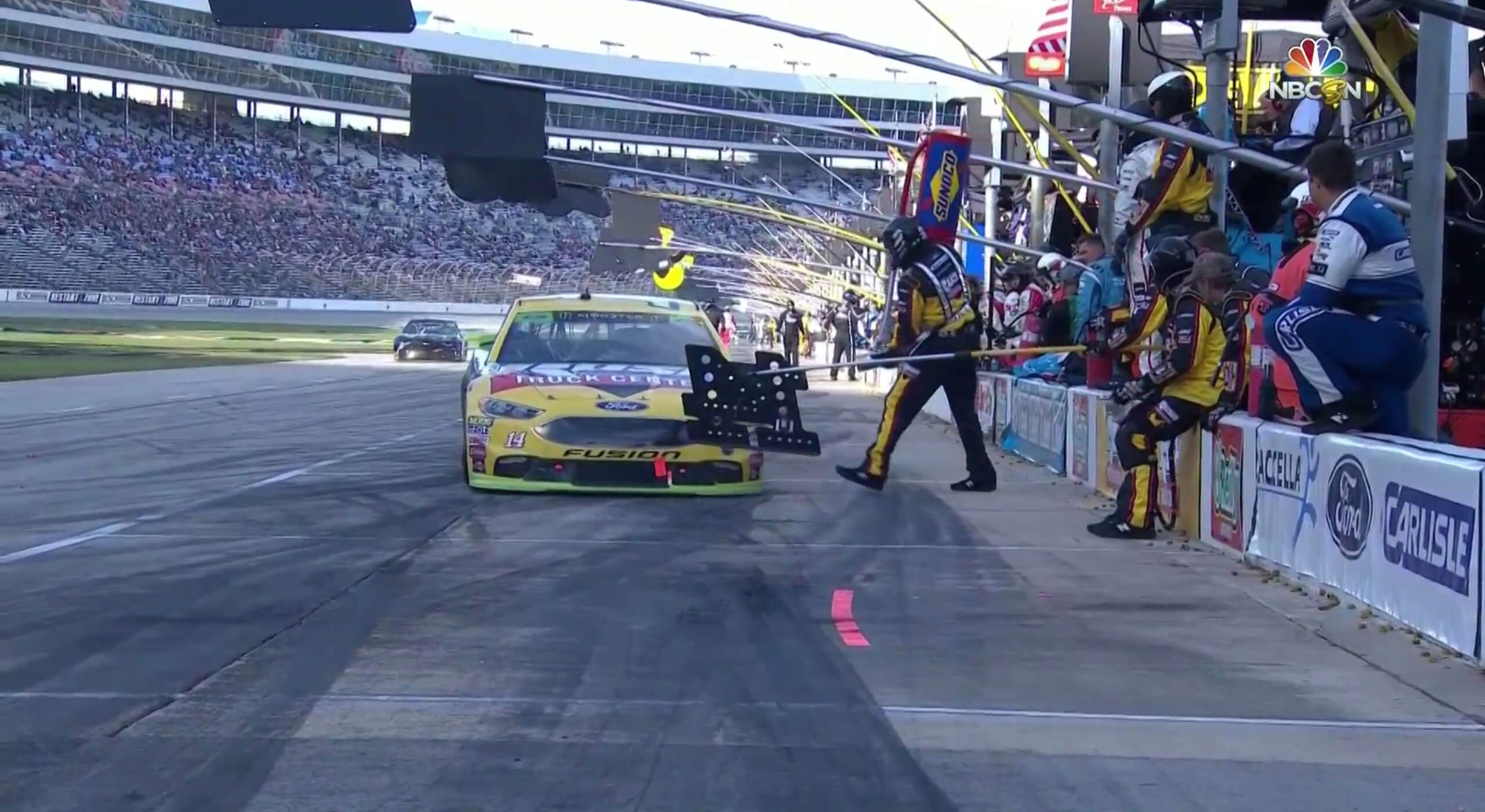 A crew member sitting on the wall resulted in a penalty for Clint Bowyer at Texas