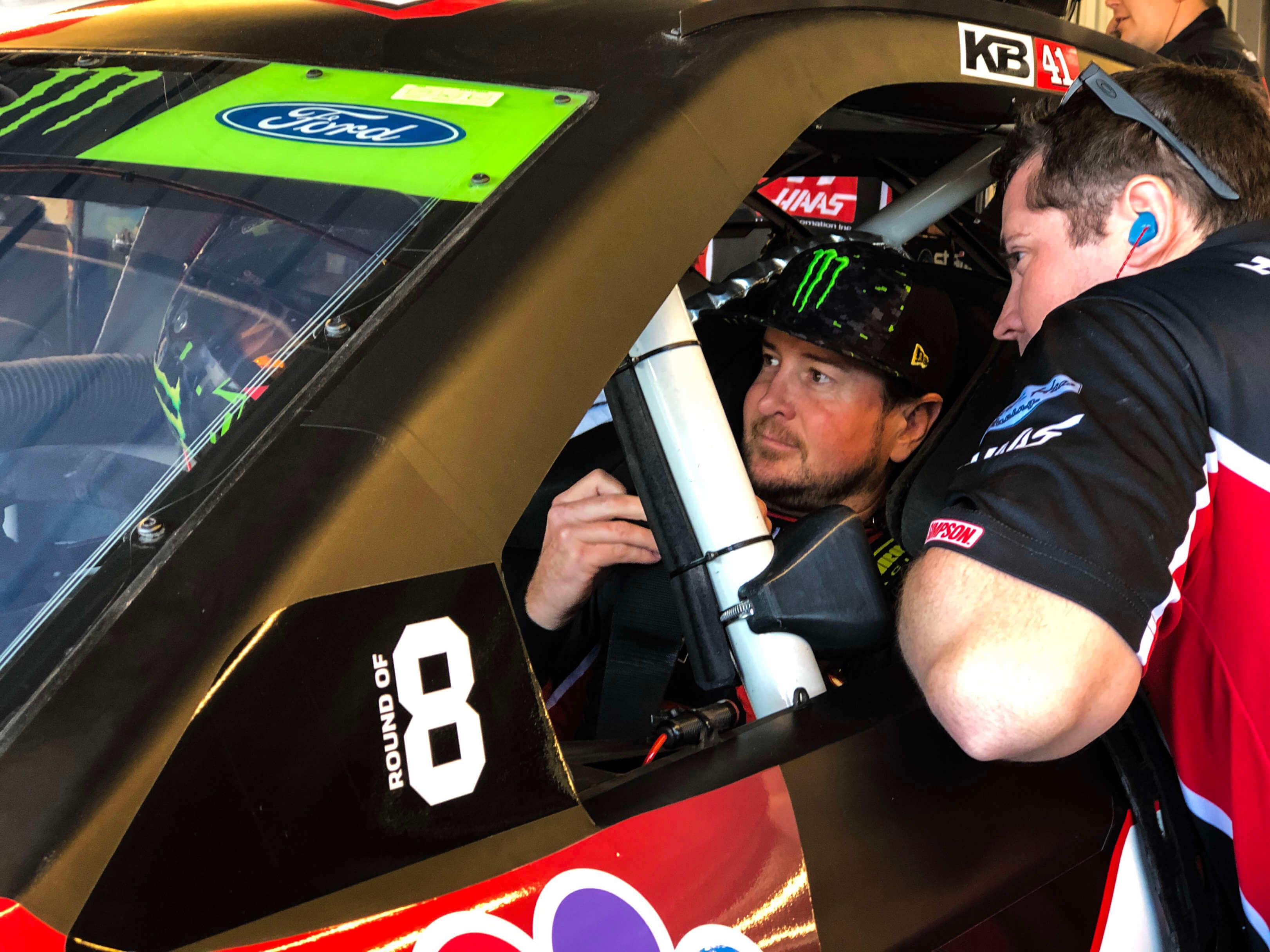 Kurt Busch at ISM Raceway