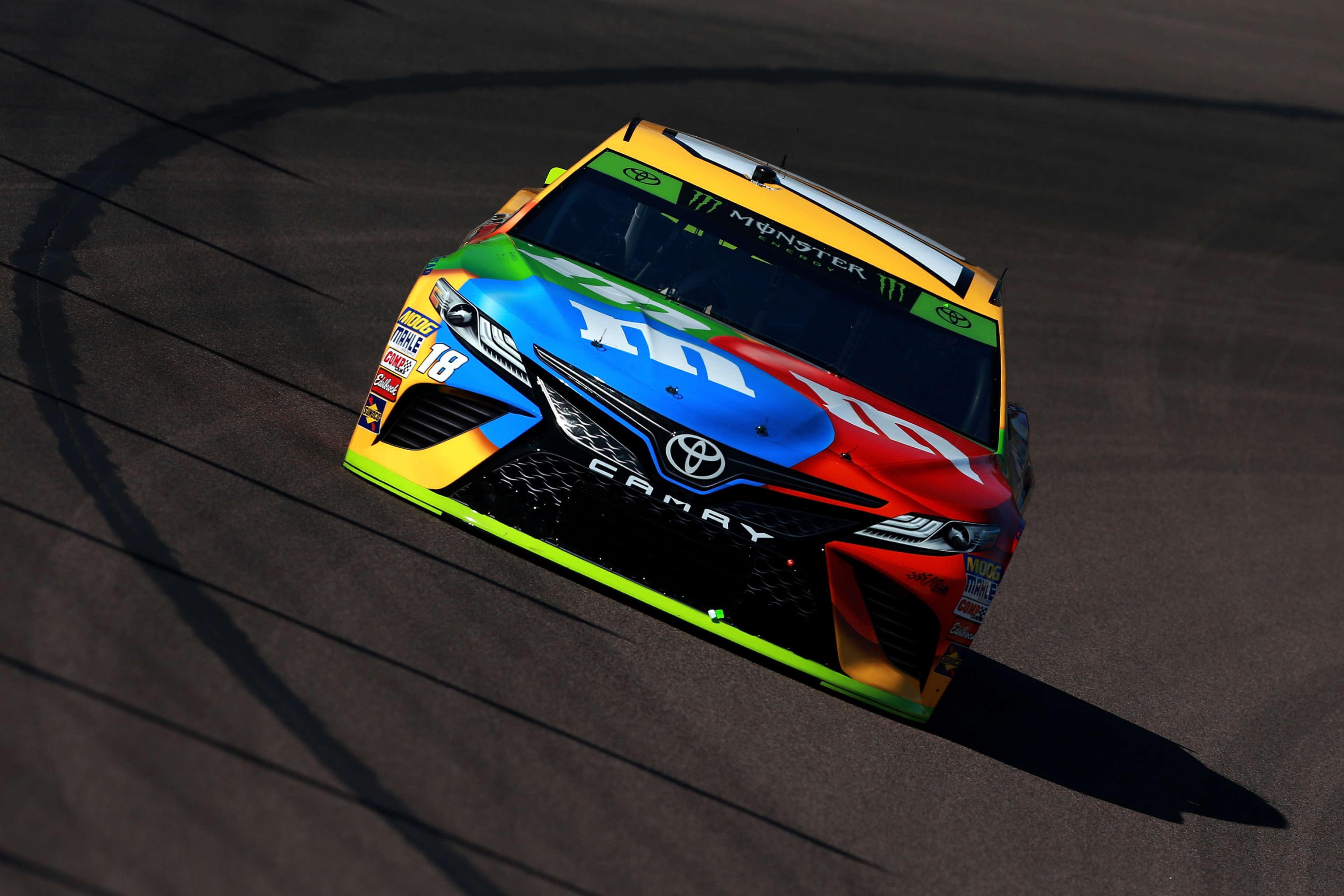 Kyle Busch at ISM Raceway