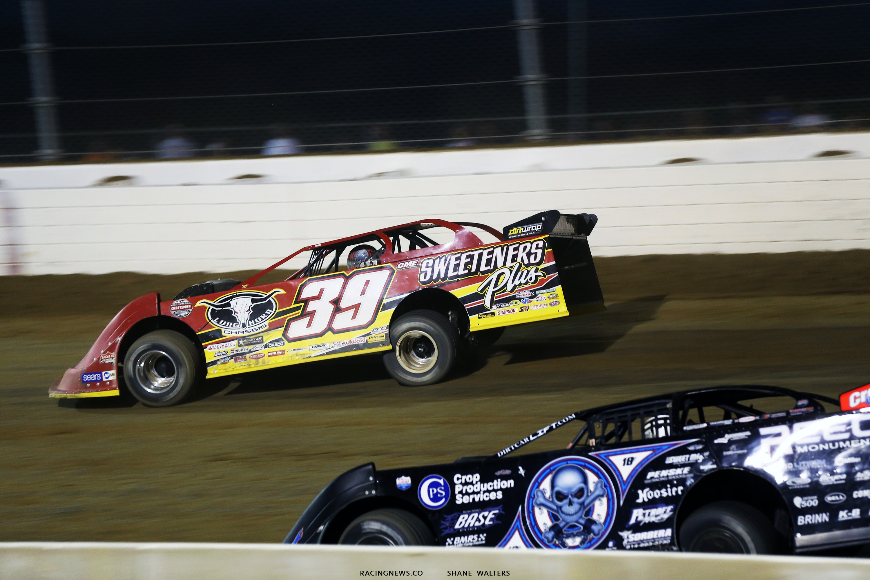 Tim McCreadie and Scott Bloomquist at Mansfield Motor Speedway 4883