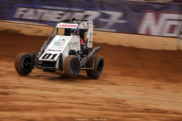 Kyle Larson in the Gateway Dirt Nationals - Dirt Midget 4351