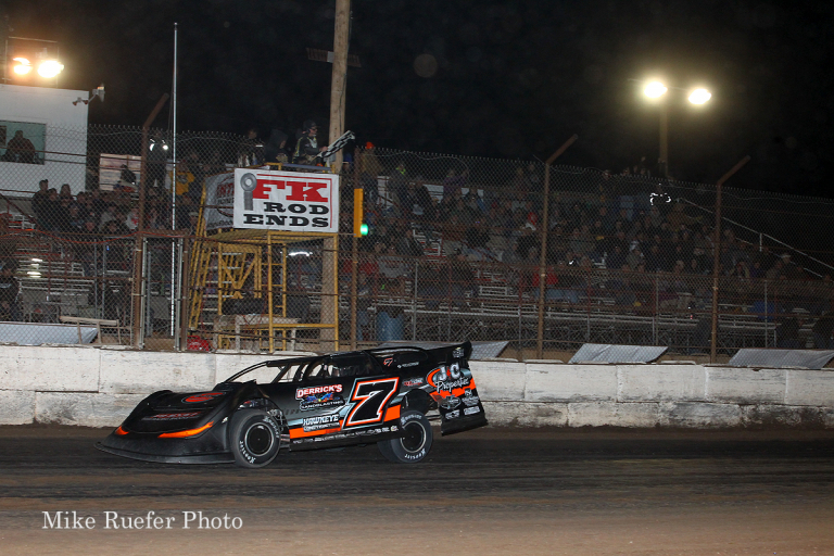 Ricky Weiss wins at Arizona Speedway