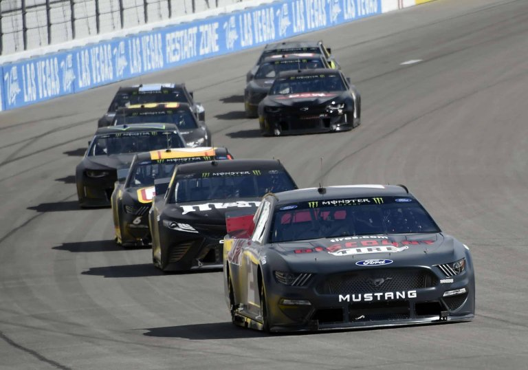 Brad Keselowski and Kyle Busch in the 2019 NASCAR test at Las Vegas Motor Speedway