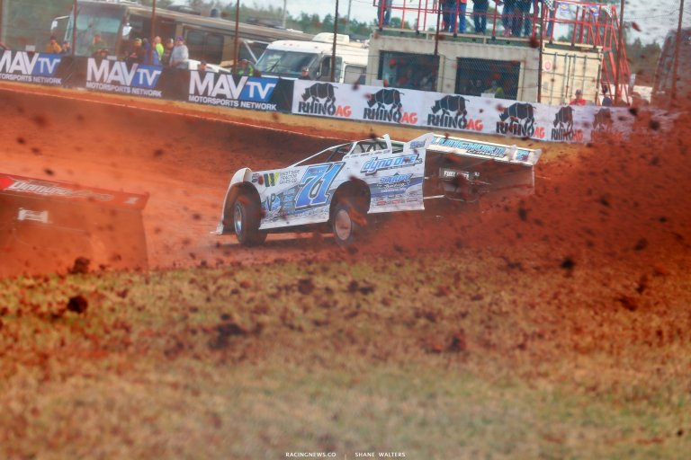 Hudson O'Neal on the cushion at Golden Isles Speedway 6175