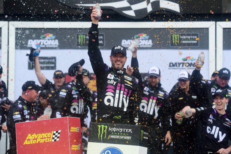 Jimmie Johnson wins at Daytona International Speedway